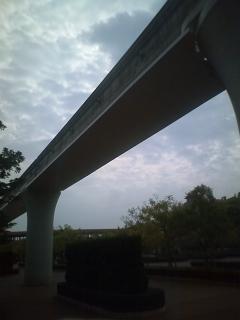 リゾートラインのレールに雨水排水口設置