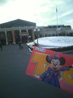 雪景色な火曜日の東京ディズニーランド