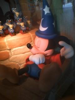 眠る魔法使いの弟子ミッキーマウス