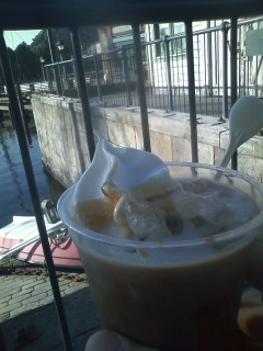 クラッシュゼリーコーヒーフロート